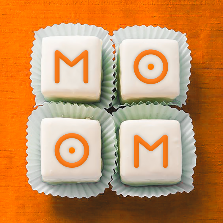 Mom Petit Fours